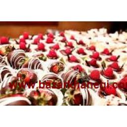 شیرینی های سنتی یزد باقلوا قطاب لوز و غیره