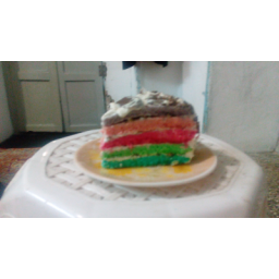 کیک تولد چند لایه تزیین شده