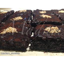 کیک برونی شکلاتی با گردو