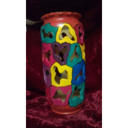 نقاشی روی گلدان مشبک