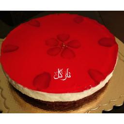 چیز کیک خانگی با ژله توت فرنگی