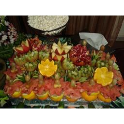 سبد میوه با میوه آرایی