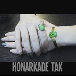 انگشتر و دستبند