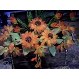 صندوق تزیین شده با گلهای آفتابگردان کریستالی