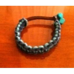 دستبند چرم در رنگ های مختلف
