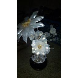 گل سفید زیبا