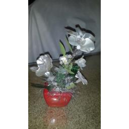 گل سفید تزیینی زیبا