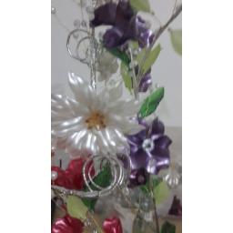 گل آرایی زیبا با رنگ های متفاوت