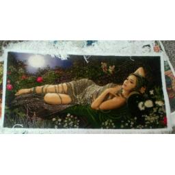 تابلو فرش دختر جواهر فروش