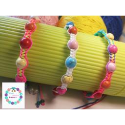 دستبند مهره دار رنگی