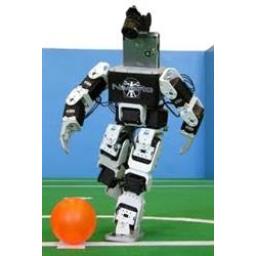 ربات پیشرفته فوتبالیست