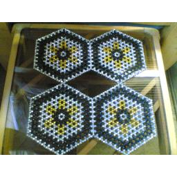 رومیزی تراشه بافی طرح 6 ضلعی 4 تیکه