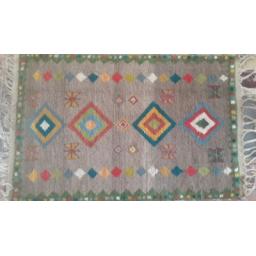 قالیچه زیبا و دستبافت