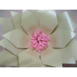 گل های کاغذی مناسب مراسمات