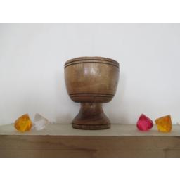 ظرف پایه دار چوبی